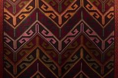 Красивый ковер Востока на большом благотворительном базаре стоковые изображения rf