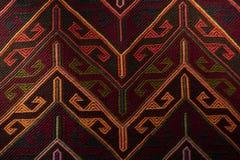 Красивый ковер Востока на большом благотворительном базаре стоковое фото rf