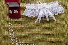Красивый комплект аксессуаров свадьбы ` s женщин Утро ` s невесты Стоковая Фотография RF