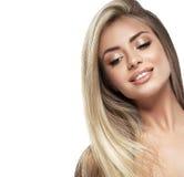 Красивый конец портрета белокурых волос стороны женщины вверх по студии на белых длинных волосах Стоковые Изображения RF