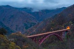 Красивый красный мост Mameyaki стоковое фото