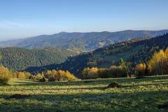 Красивый ландшафт гор Gorce, Польша осени Стоковое фото RF