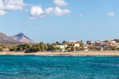 красивый ландшафт лета морского побережья в острове Крита, Греции стоковое изображение