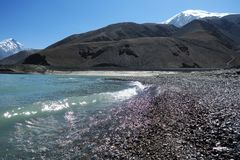Красивый ландшафт озера и ` лед-гор-отца ` стоковая фотография rf