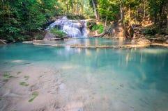 Красивый малый водопад, национальный парк Erawan, Kanchanaburi, t стоковое изображение rf