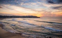 Красивый момент на пляже Сиднее Австралии Bondi Стоковое Изображение RF