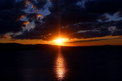Красивый морской заход солнца стоковые фотографии rf