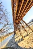 Красивый мост весной стоковое фото rf