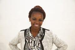 Красивый молодой африканский портрет женщины стоковое фото rf