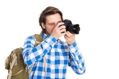 Красивый молодой фотограф с камерой в костюме лета стоковая фотография rf