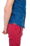 Красивый, молодой, человек брюнет стоя на белой предпосылке стоковые фото