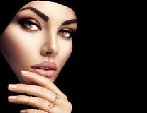 Красивый мусульманский портрет стороны женщины Стоковое фото RF