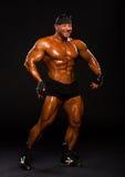 Красивый мышечный культурист стоковое фото rf
