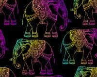 Красивый нарисованный вручную племенной слон стиля Безшовный des картины иллюстрация штока