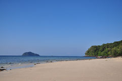 Красивый необжитый остров на Satun Стоковая Фотография