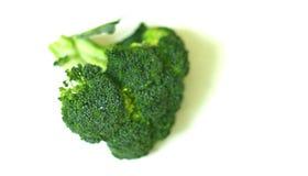 Красивый, органический свеже помытый изолированный брокколи снял 1 стоковое фото