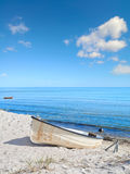 Красивый остров Rugen в северной Германии, шлюпке на береге Стоковые Изображения RF