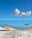 Красивый остров Rugen в северной Германии, шлюпке на береге Стоковые Фотографии RF