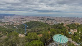 Красивый панорамный взгляд города Барселоны Испании стоковое фото