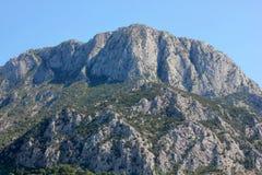 Красивый панорамный вид гор стоковое изображение rf