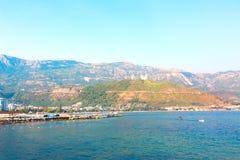 Красивый панорамный ландшафт Budva riviera стоковая фотография
