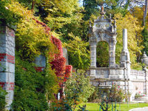 Красивый парк с загородкой Стоковые Изображения