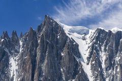 Красивый пейзаж больших горных пиков в Монблане Стоковые Фотографии RF