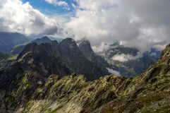 Красивый пейзаж больших горных пиков Стоковые Фото