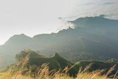 Красивый пейзаж горы в Chiang Rai, Таиланде Стоковые Изображения