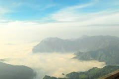 Красивый пейзаж горы в Chiang Rai, Таиланде Стоковое Фото