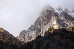 Красивый пейзаж горы от долины Fleres, около пропуска Brenner, Италия Стоковое Фото