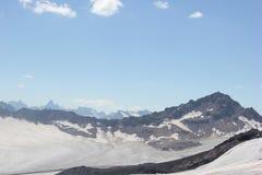 Красивый пейзаж гор Кавказа Стоковые Изображения