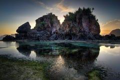 Красивый пейзаж захода солнца на пляже Lombok, Nusa Tenggara, Индонезии Стоковая Фотография