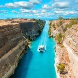 Красивый пейзаж канала Коринфа стоковое фото rf