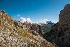 Красивый пейзаж ландшафта italien доломиты, lagazuoi rifugio, dÂ'ampezzo cortina, falzarego passo Стоковая Фотография RF