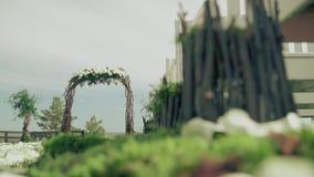 Красивый пейзаж подготовленный для торжества, крупный план сток-видео