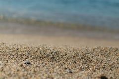 Красивый песок на пляже Kleopatra в Alanya Турции Стоковое Изображение