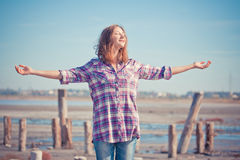 Красивый портрет девушки на лете внешнем Стоковое Фото