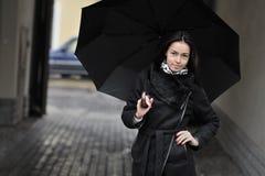 Красивый портрет девушки с зонтиком Стоковое Изображение RF