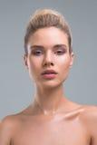 Красивый портрет студии красоты женщины Стоковые Изображения RF