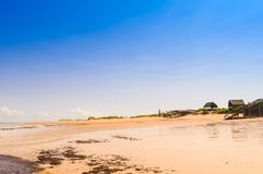 Красивый португальский пляж острова с водой бирюзы, Mozambiq Стоковые Фото