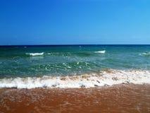 Красивый прибой моря ландшафта Стоковые Фото