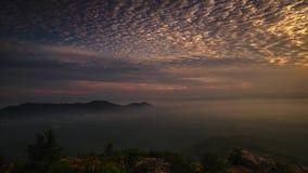 Красивый промежуток времени на холме на к северу от Малайзии сток-видео