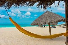 Красивый пляж в Аруба, карибских островах Стоковые Изображения RF