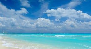 Красивый пляж в Cancun Стоковое Изображение