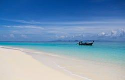 Красивый пляж в Krabi Стоковые Изображения RF