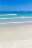 Красивый пляж с белым песком в Вьетнаме Стоковое Фото