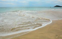 Красивый пляж с солнечным днем Стоковые Фото