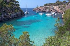 Красивый пляж Cala Pi в Мальорке, Испании Стоковые Изображения RF