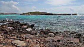 Красивый пляж Nissi панорамы около Ayia Napa на острове Кипра сток-видео